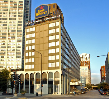 World executive three star chicago illinois hotels for Best hotel deals downtown chicago