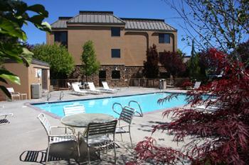 World Executive Klamath Falls Hotels Hotels In Klamath Falls Oregon Reservations And Deals