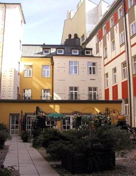 Best western hotel meteor plaza prague czech republic for Best hotel location in prague