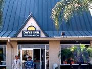 Tampa days inn busch gardens maingate tampa florida days inn hotels in tampa florida for Days inn tampa north of busch gardens