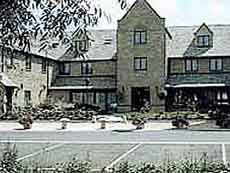 Witney Four Pillars Hotel