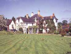 Summer Lodge Hotel